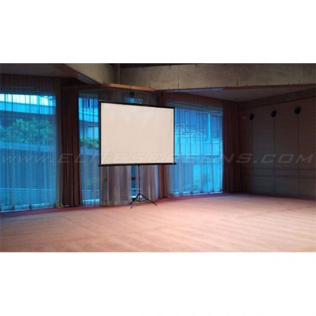 """EliteScreens 72"""" (16:9) mobil háromlábú vászon T72UWH (160 x 89 cm, Fekete)"""
