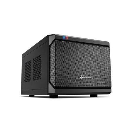 Sharkoon Számítógépház - QB One  (fekete; fekete belső; mITX; 2xUSB3.0; 2xUSB2.0; I/O; 120mm ventilátor)